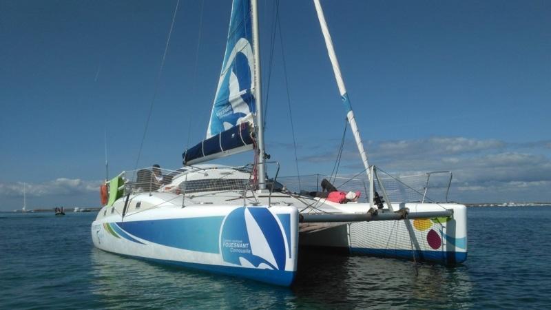 Le catamaran qui vous amène aux Glénan depuis Fouesnant
