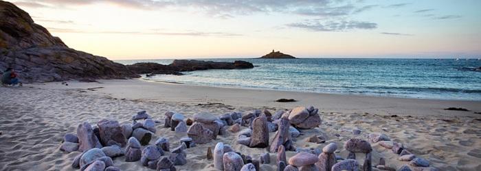 Une pause bien méritée sur une des plages de sable fin d'Erquy