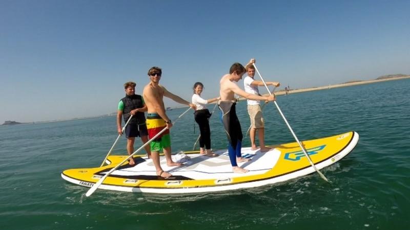 Vivez un week-end de sensations nautiques entre amis à Dinard