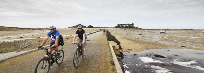 Visite de l'île Callot à Carantec à vélo à marée basse
