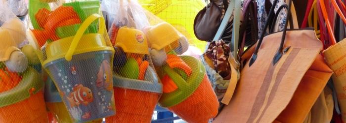 Aller acheter des souvenirs à la Boutique le Pénestin Beach, rue de la Plage