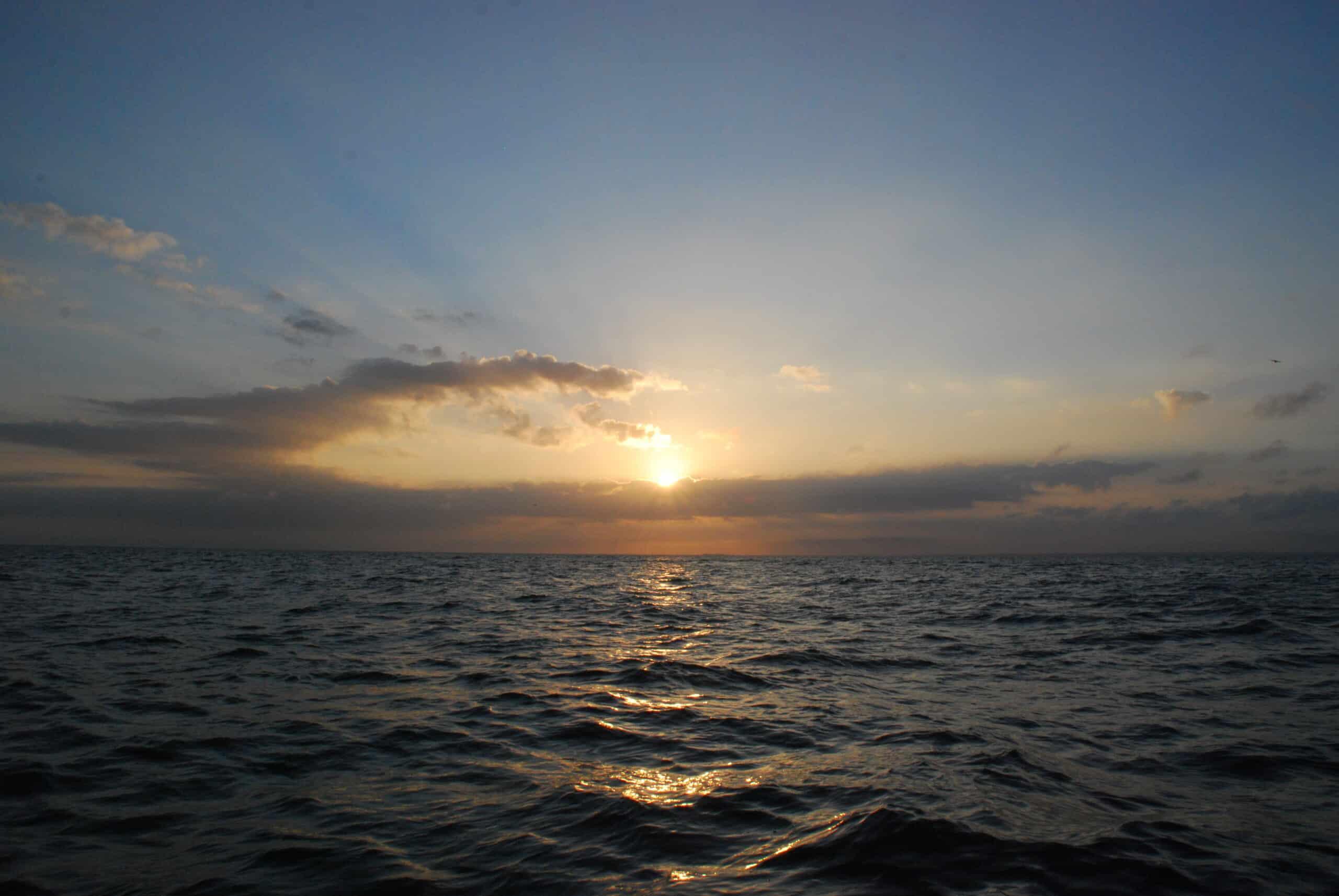 Lever de soleil au large de Saint-Cast le Guildo