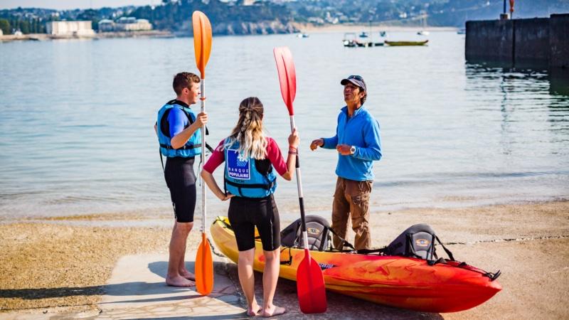 kayak au départ du port de Morgat