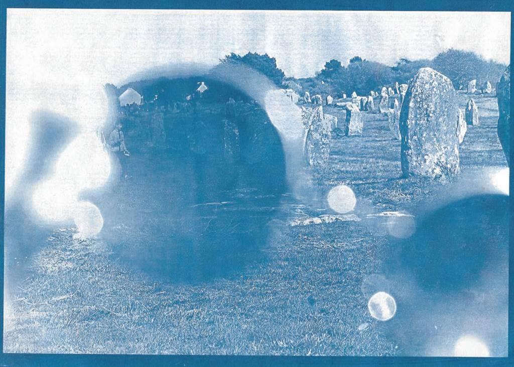 Exposition: «On a vu les pierres en bleu»
