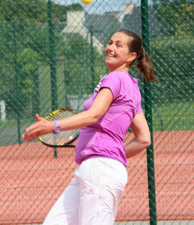 Courts de tennis couverts et extérieurs Étables